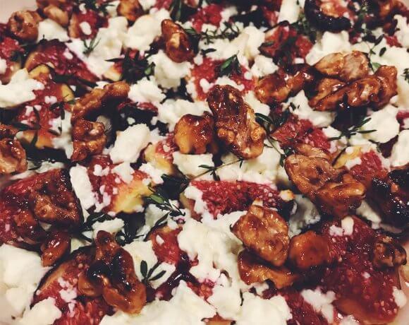 Gebackene Feigen mit karamellisierten Wallnüssen, Thymian und Lavendelblüten